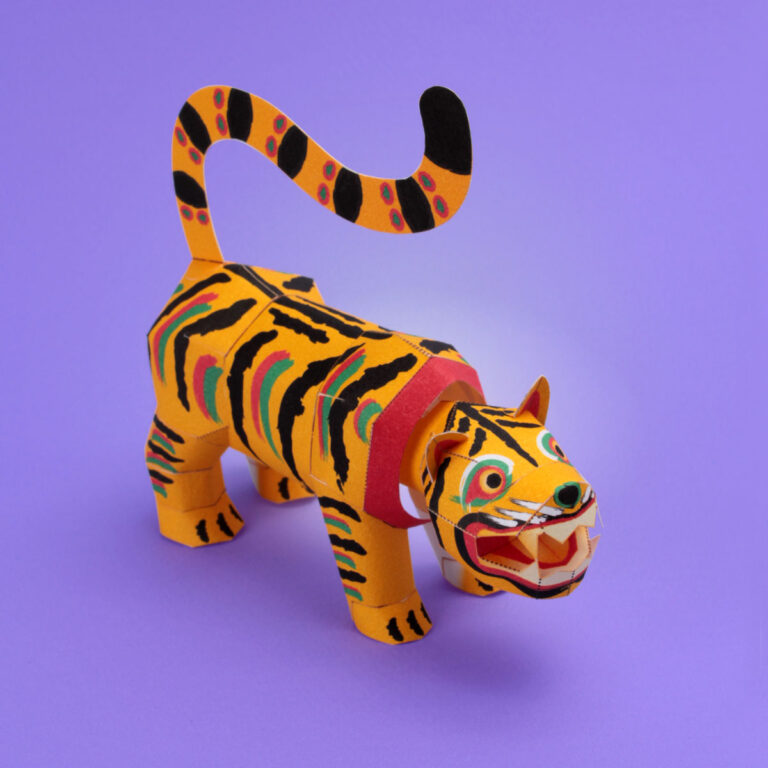 虎のペーパークラフト(張り子の虎アレンジ)。虎(干支)のノベルティグッズ。楽しい無料のペーパークラフトを作りましょう。